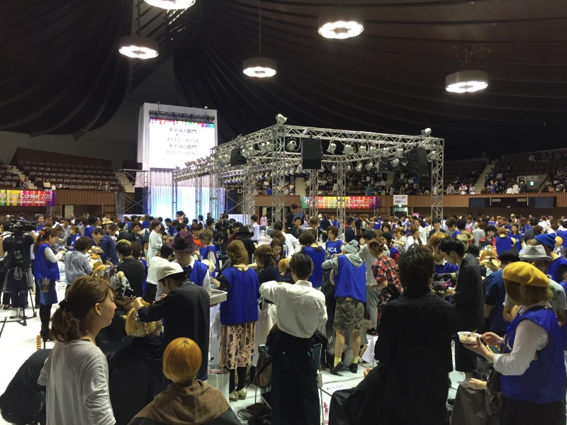 JHCA(日本ヘアカラー協会)全国大会2015・4・21IN代々木第二国立体育館。エマ美容室から、石川剛士、早川沙希ペアが、出場しました。