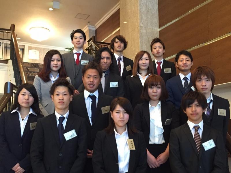 平成28年度、エマ美容室グループ(EMA)入社式が、レセプションハウス名古屋逓信会館にて行なわれました。